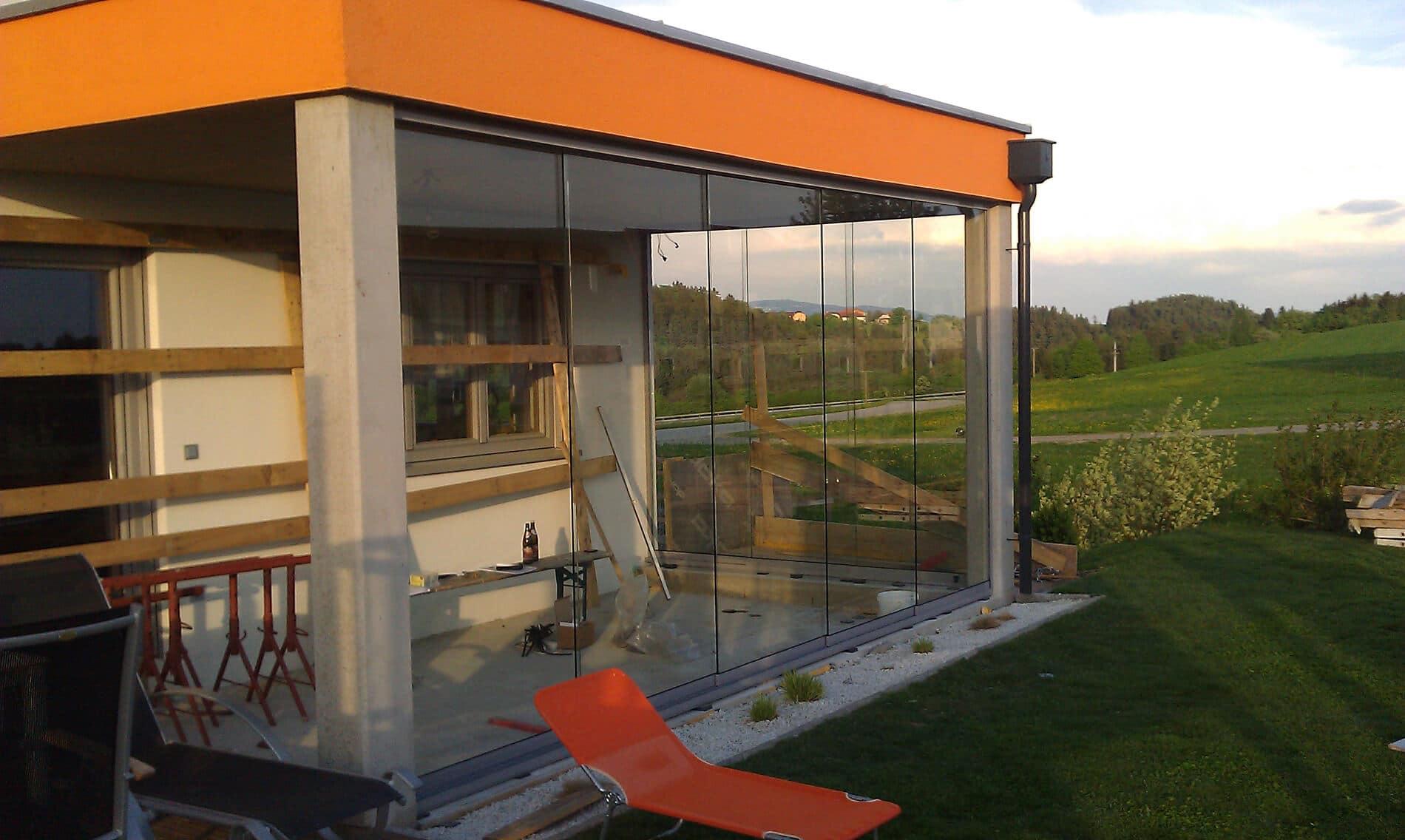 Neue Terrassenverglasung entsteht