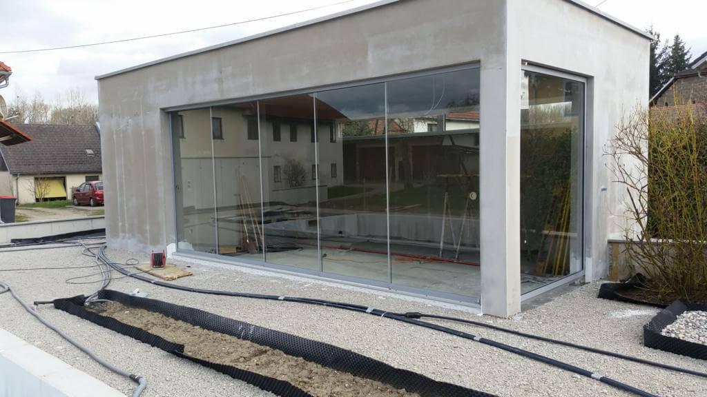 Neues Poolhaus mit Schiebesystem entsteht
