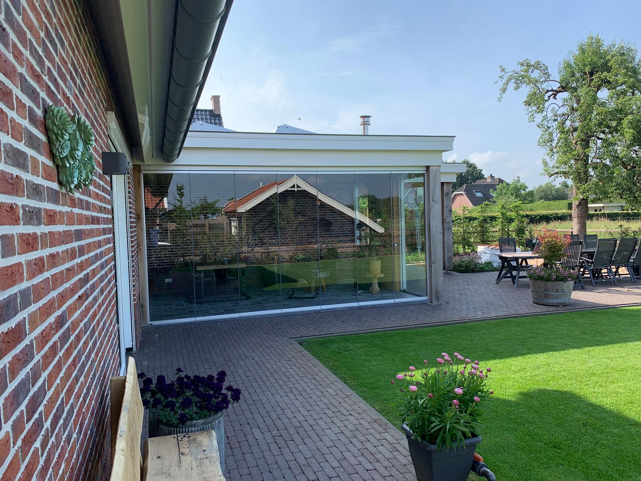Nurglas Schiebe-Dreh-Fenster Terrasse