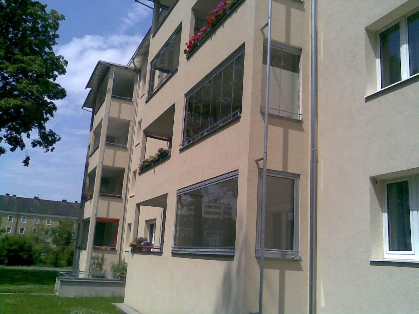 Rahmenlose Balkonverglasung