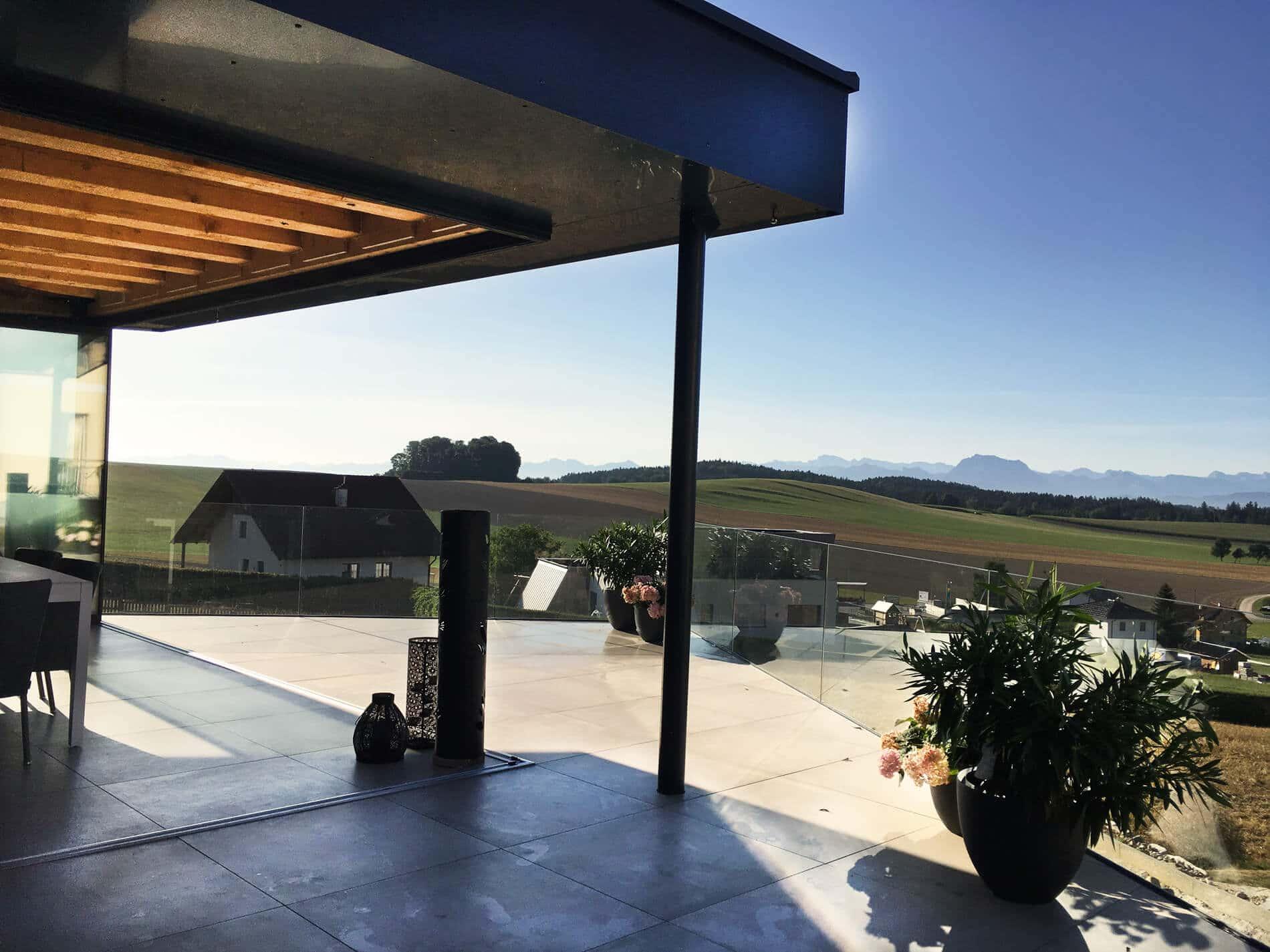 Referenz Poolhaus mit Glas komplett öffenbar