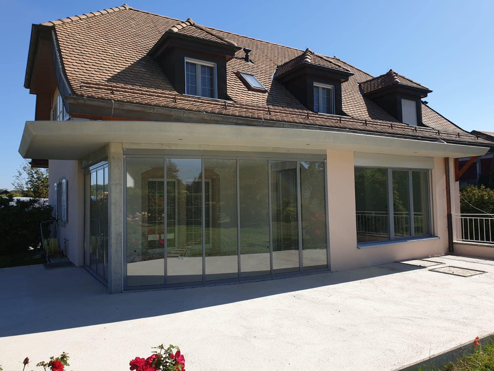 Schiebe-Dreh-Konstruktion als Terrassenverglasung