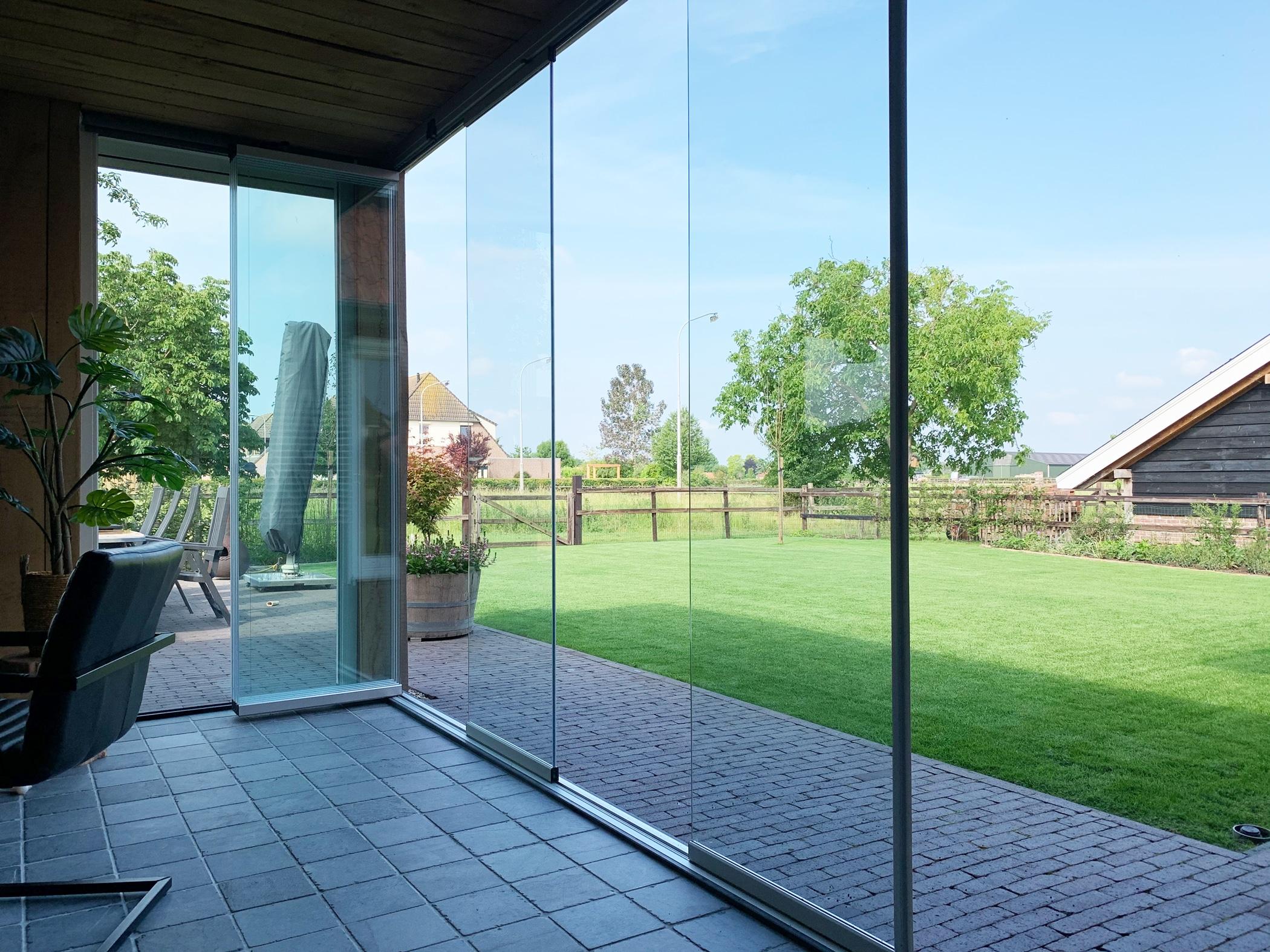 Schiebe Dreh Wetterschutzwand Glas