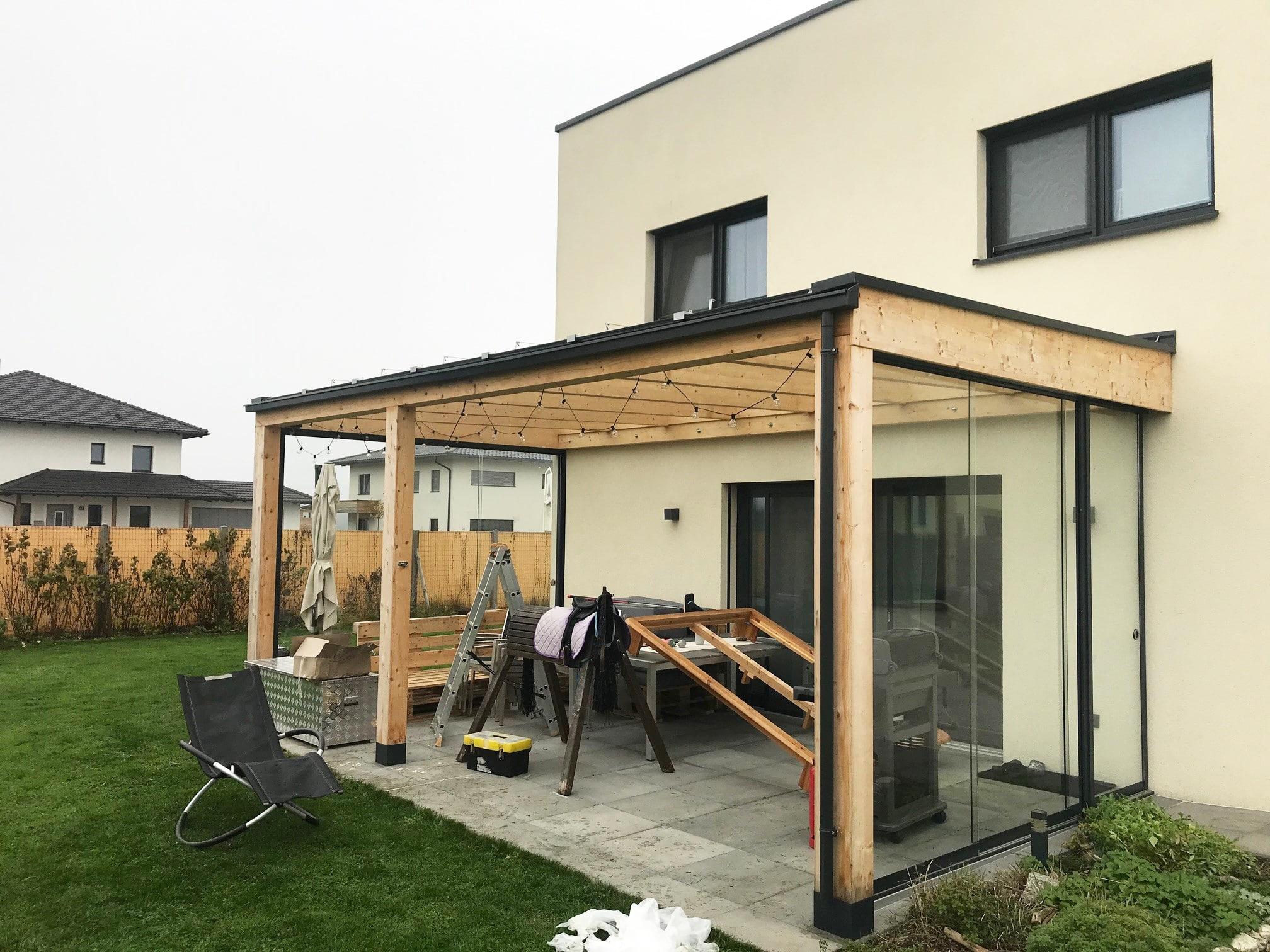 Schiebewände für bestehende Holz-Terrassenüberdachung