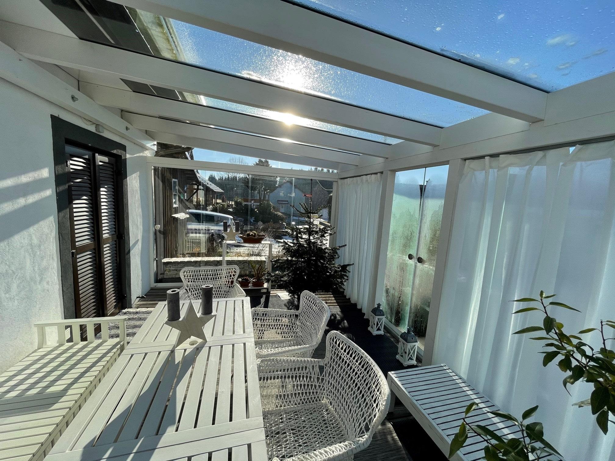 Seitenwände Schiebesystem für Terrassenüberdachung aus Glas