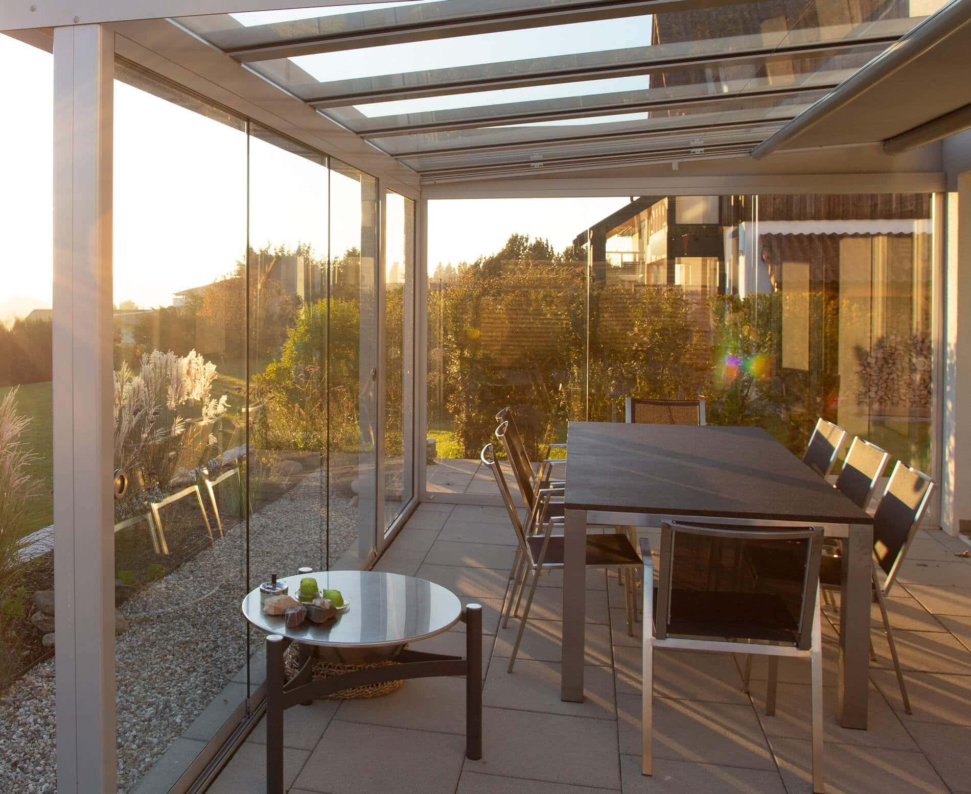 Sommergarten Aluminium mit Glasschiebewänden