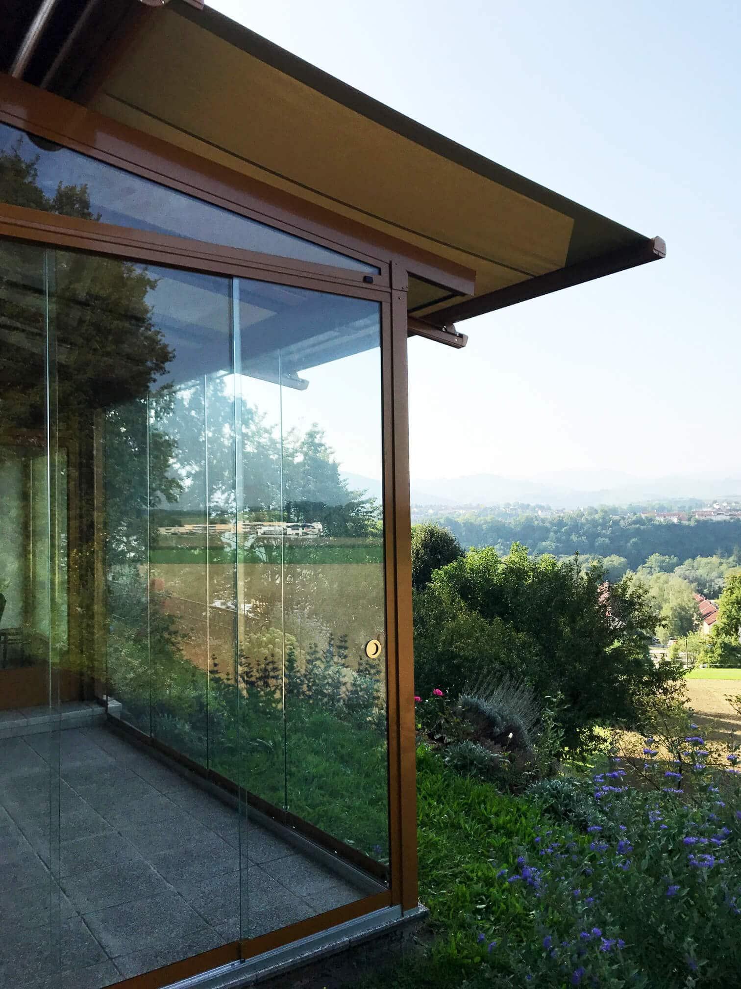 sommergarten auf terrasse mit beschattung - windschutz