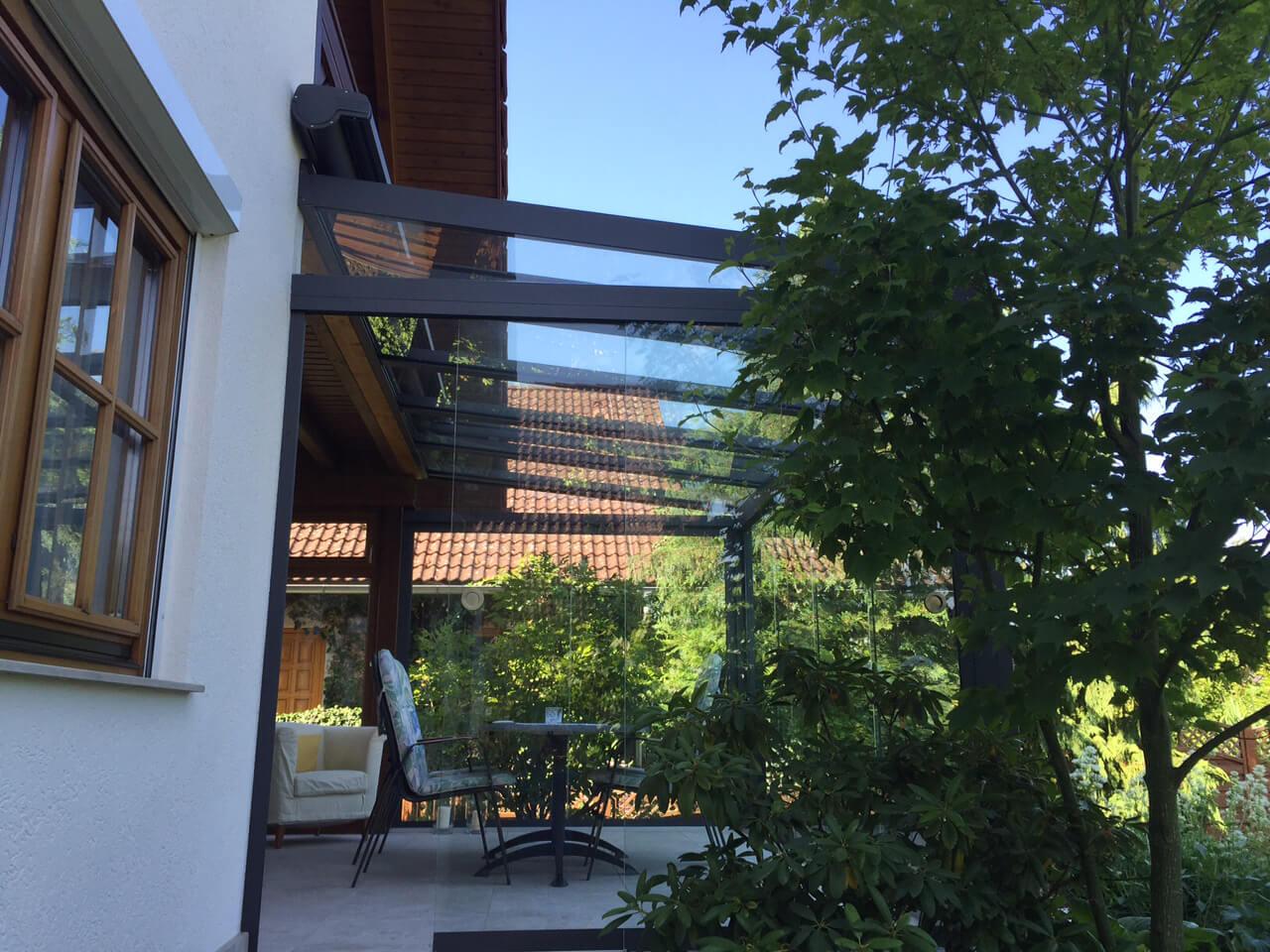 Sommergarten Ganzglas Schiebetüren