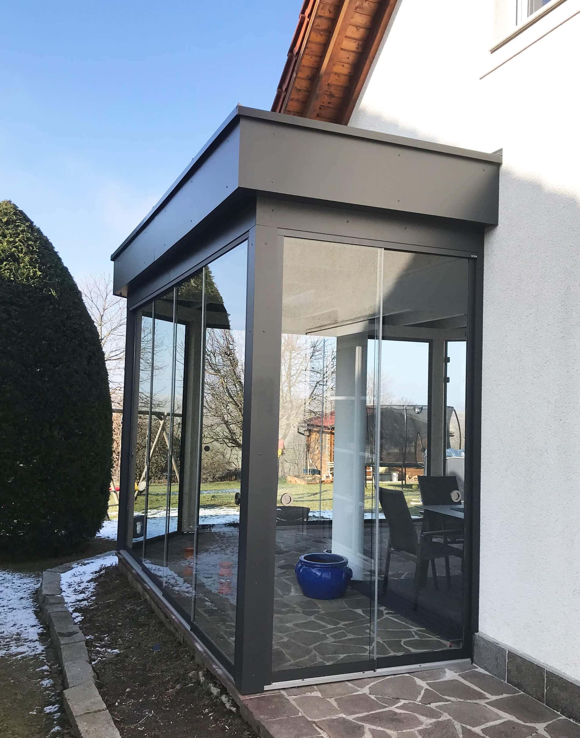Sommergarten Holz/Aluminium mit Glasschiebewänden
