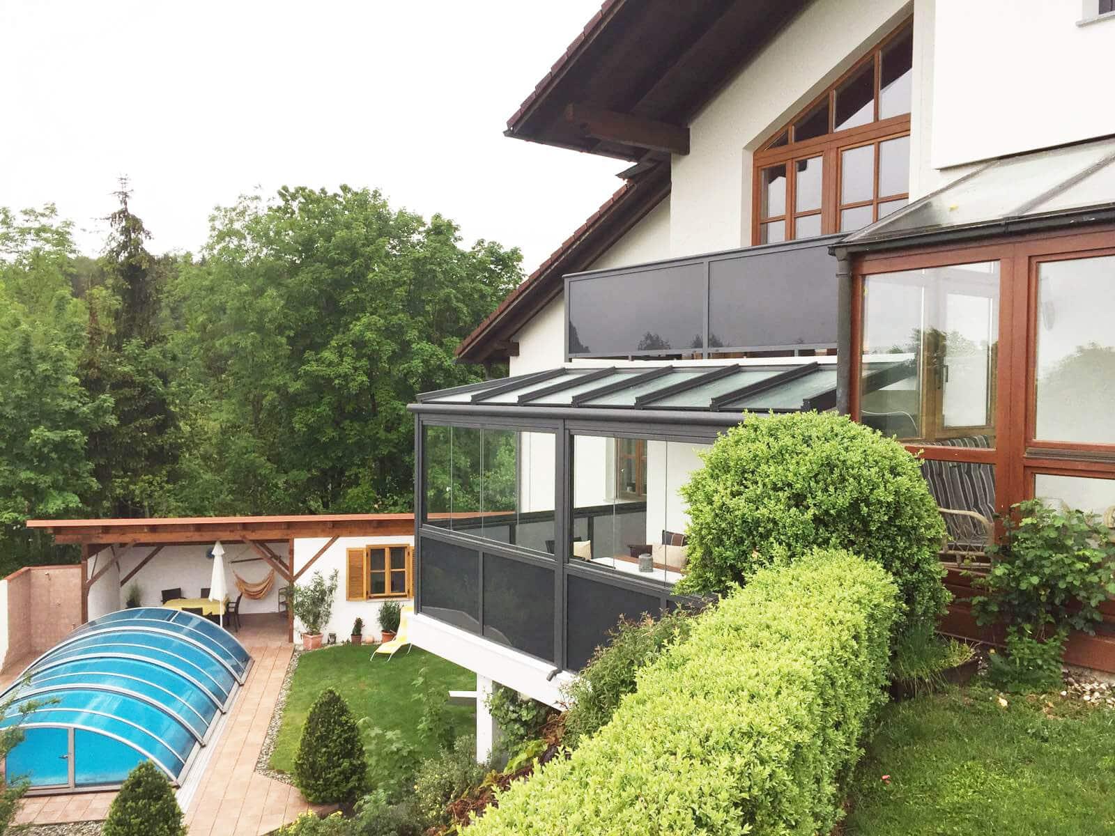 Sommergarten unterm Balkon