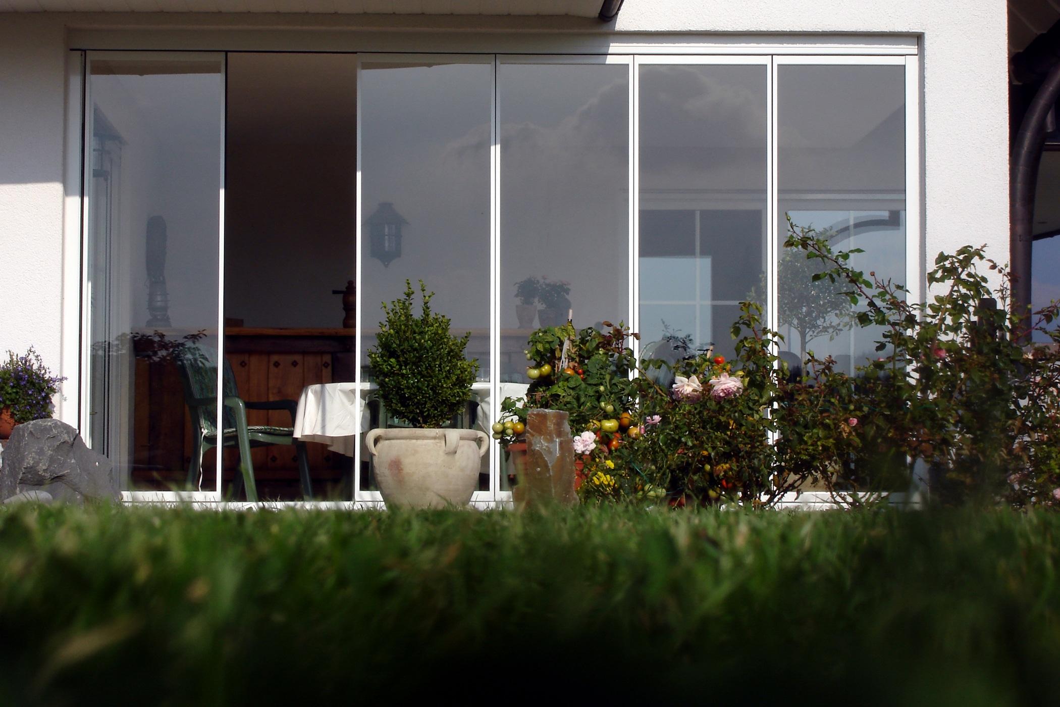 Terrasse mit Glas schützen