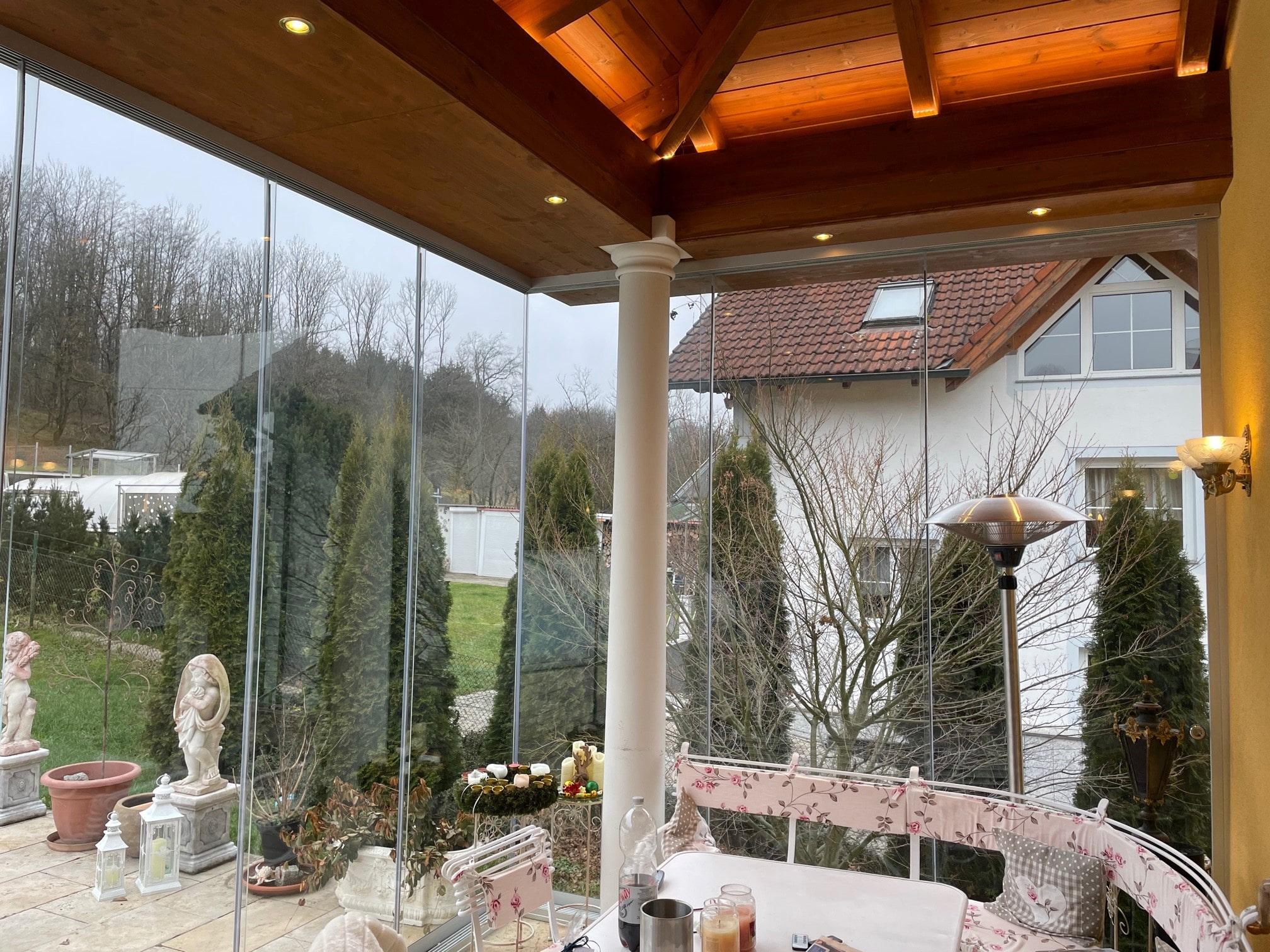 Terrasse mit Glasschiebeelemente zu machen