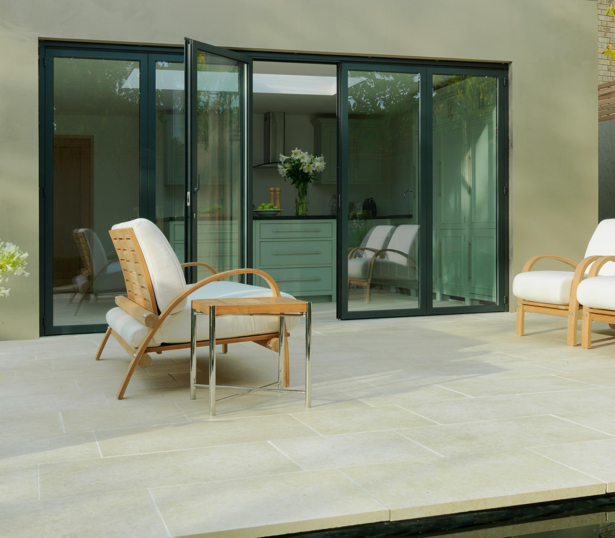 Terrassen Falttüre 5-teilig nach außen aufgehend