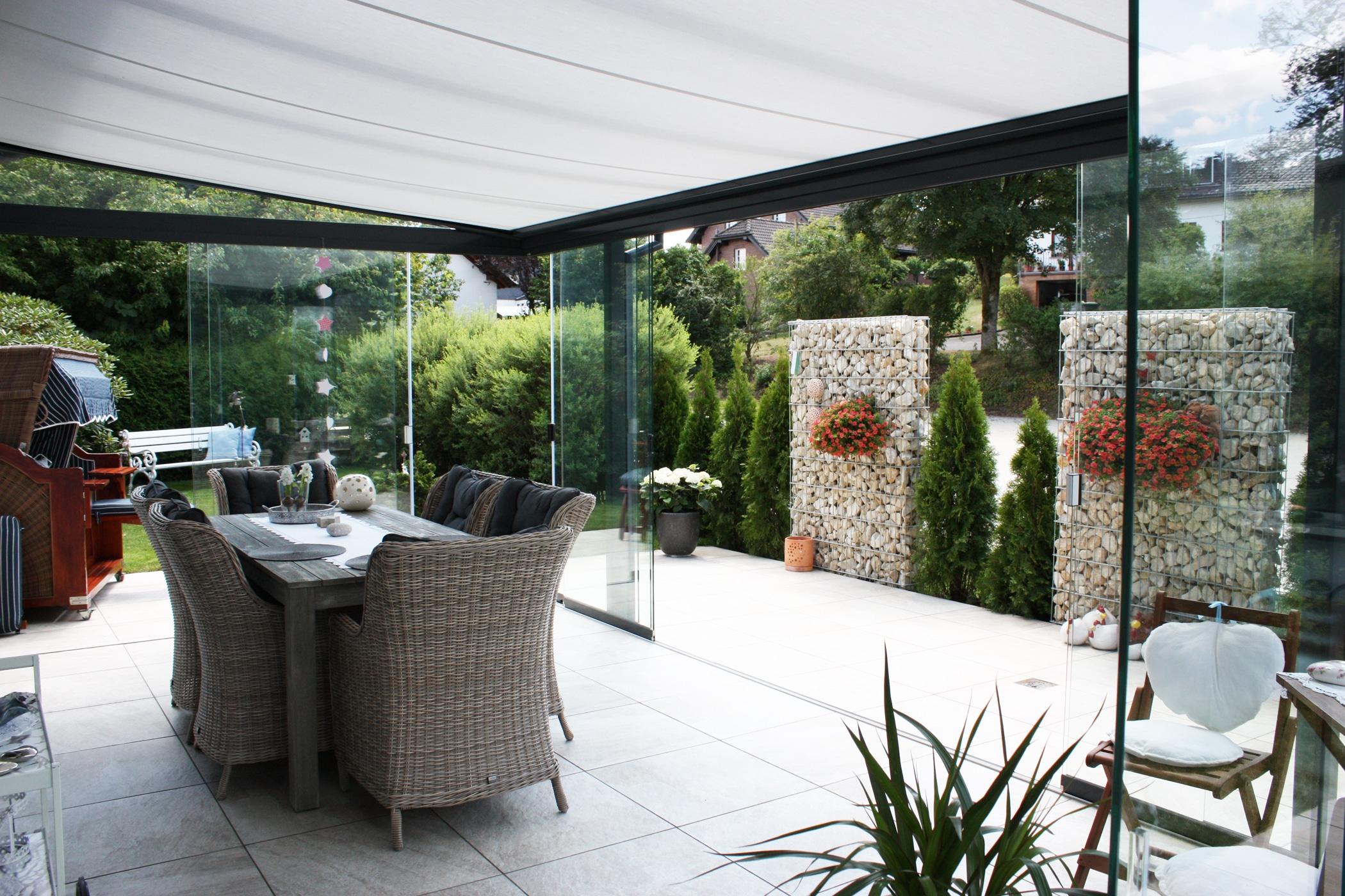 Terrassen Glasdach mit Sonnenschutz