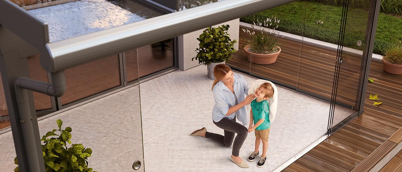Terrassenüberdachung erweitern mit Glas