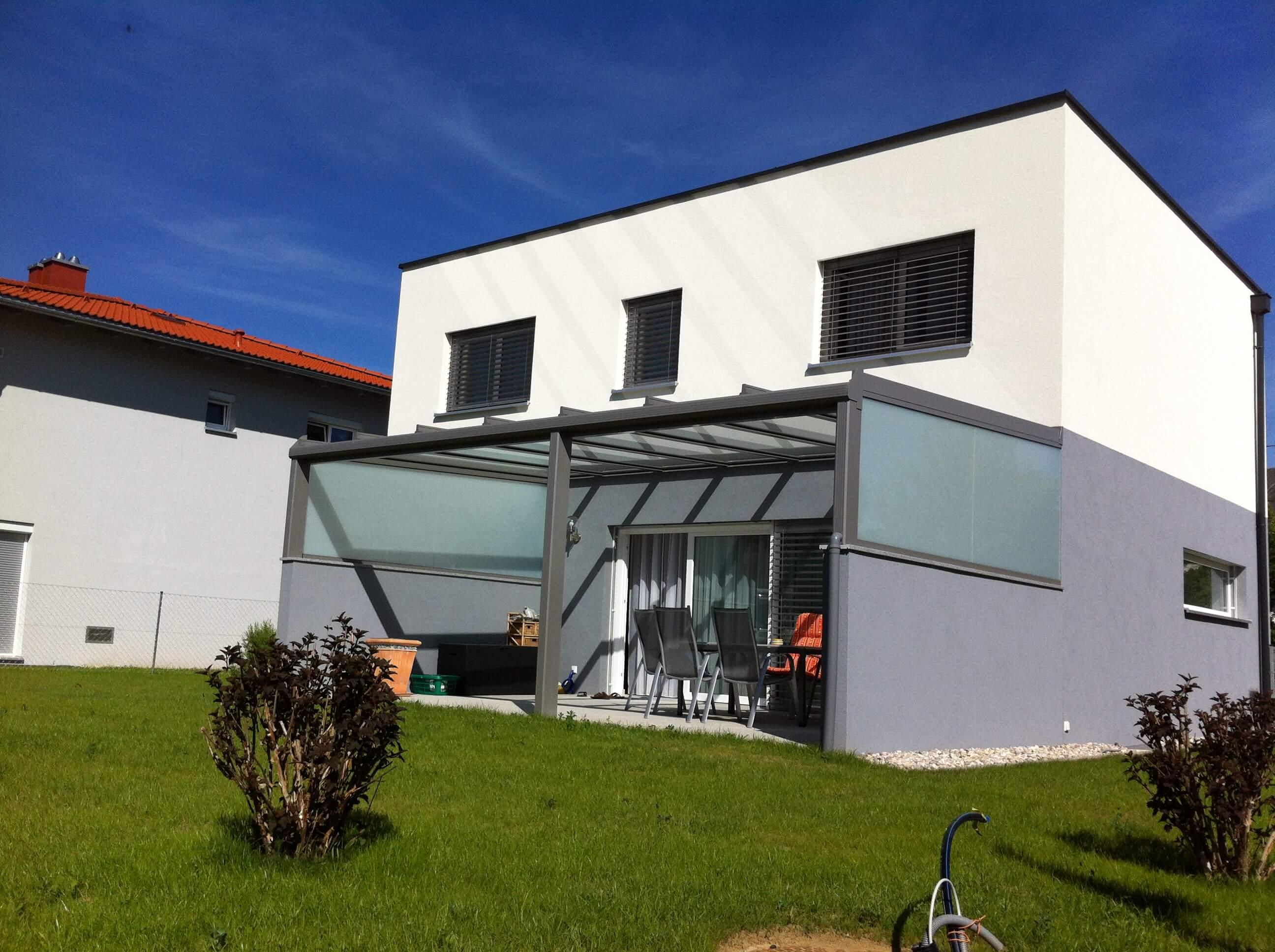 Terrassenüberdachung graualuminium pulverbeschichtet