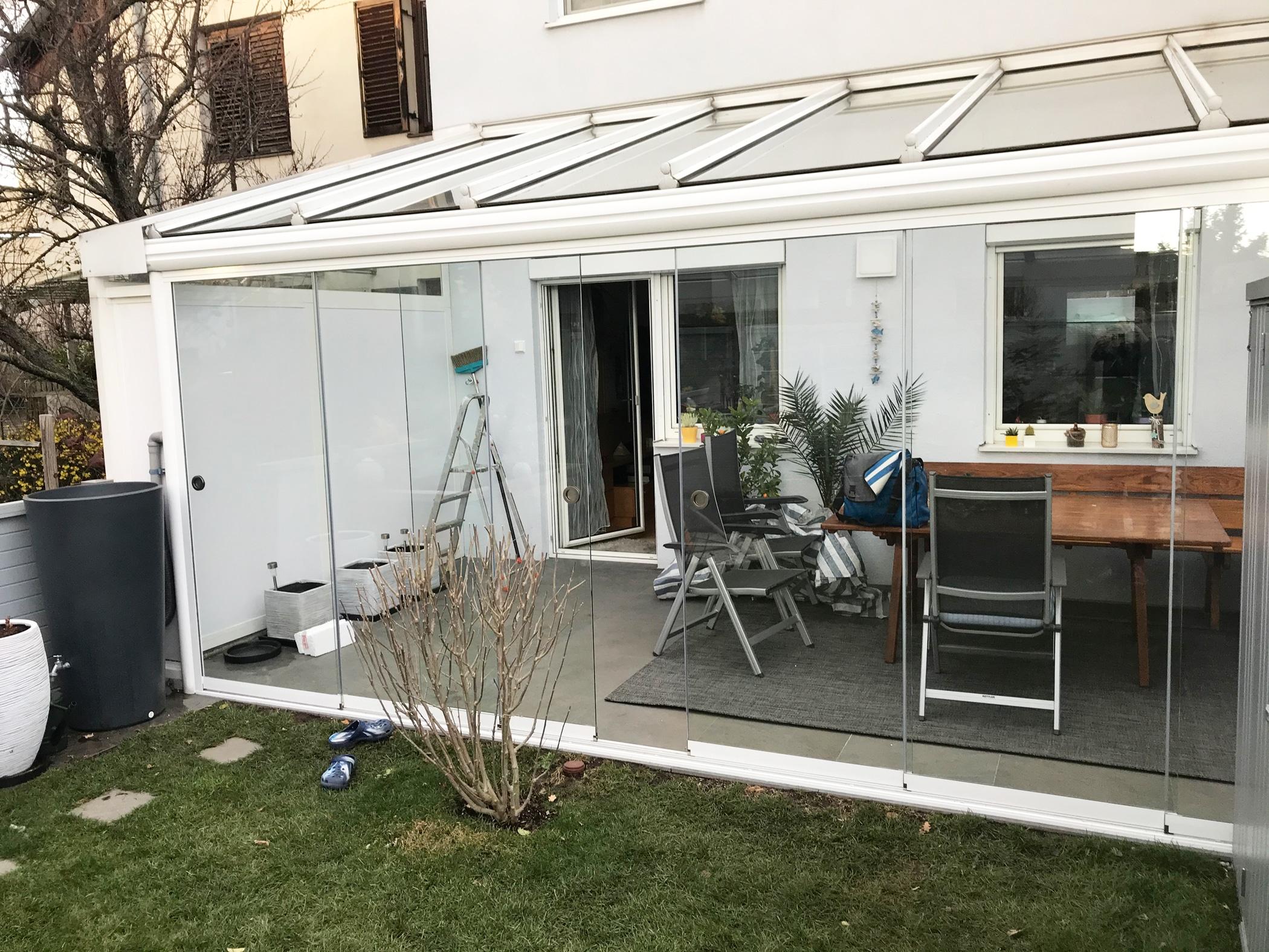 Terrassenüberdachung mit Schiebetüren - Farbe weiß