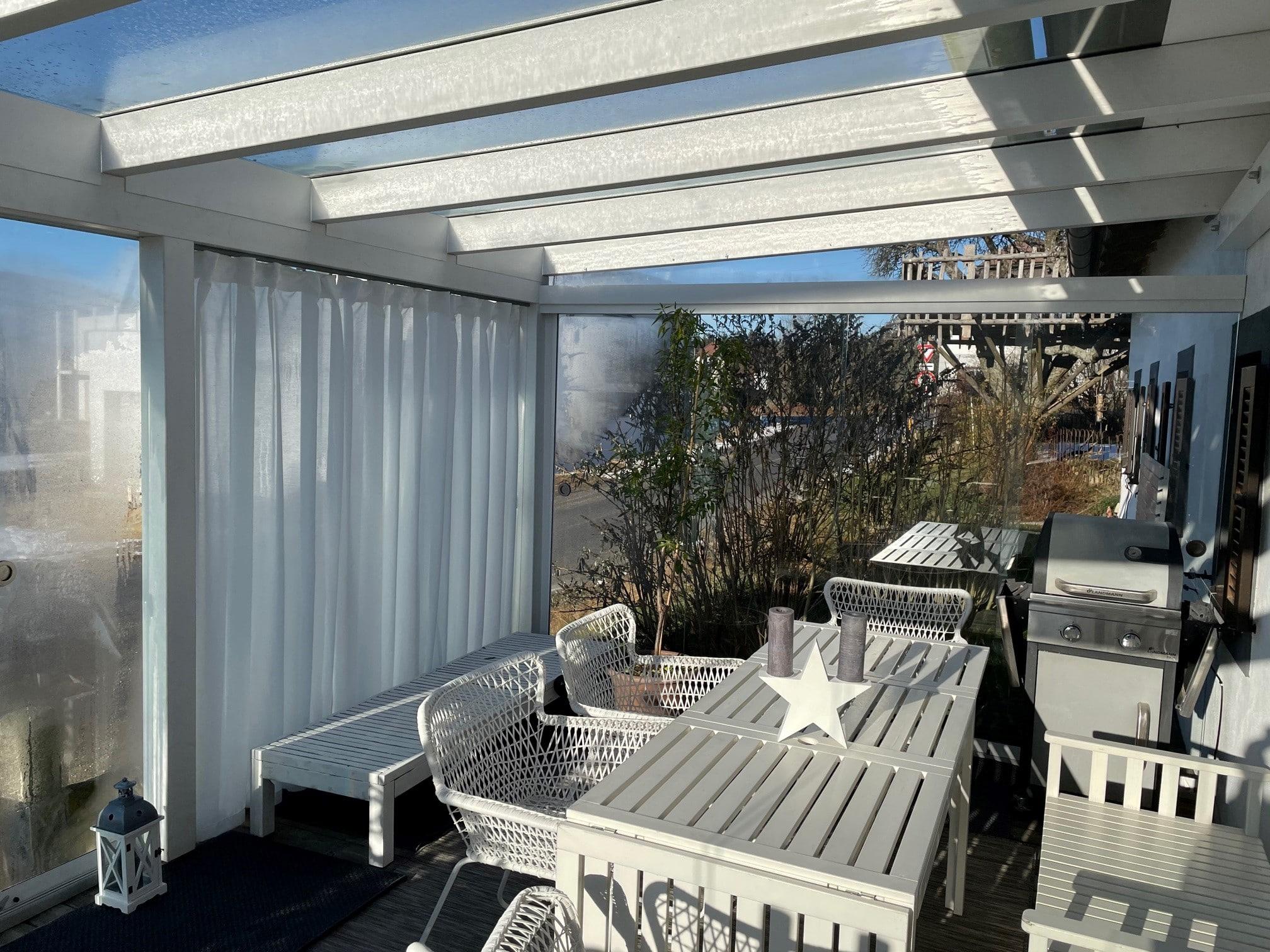 Terrassenüberdachung mit Seitenwand schiebbar - nachträglich schließen