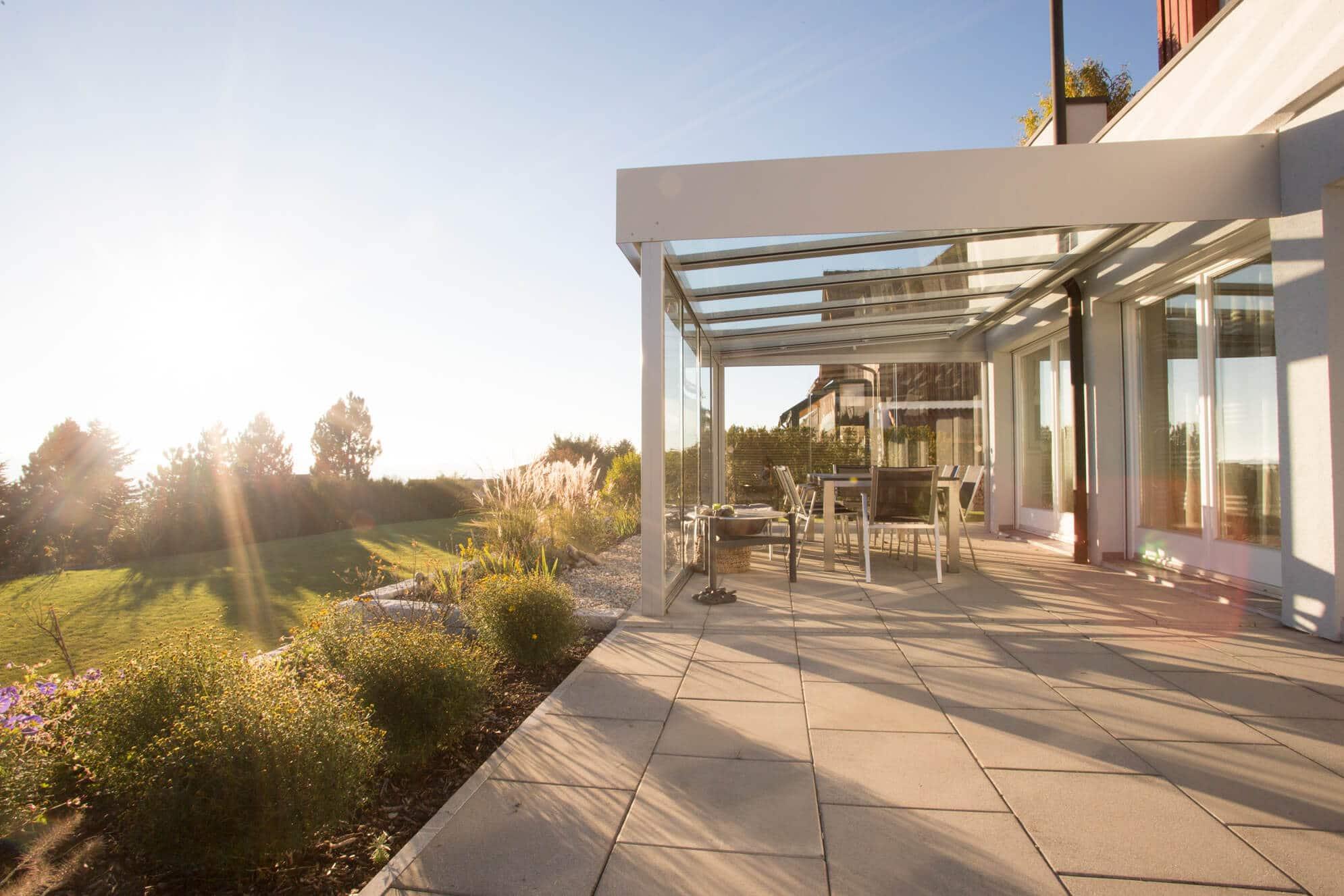 Terrassenüberdachung mit Unterglasbeschattung