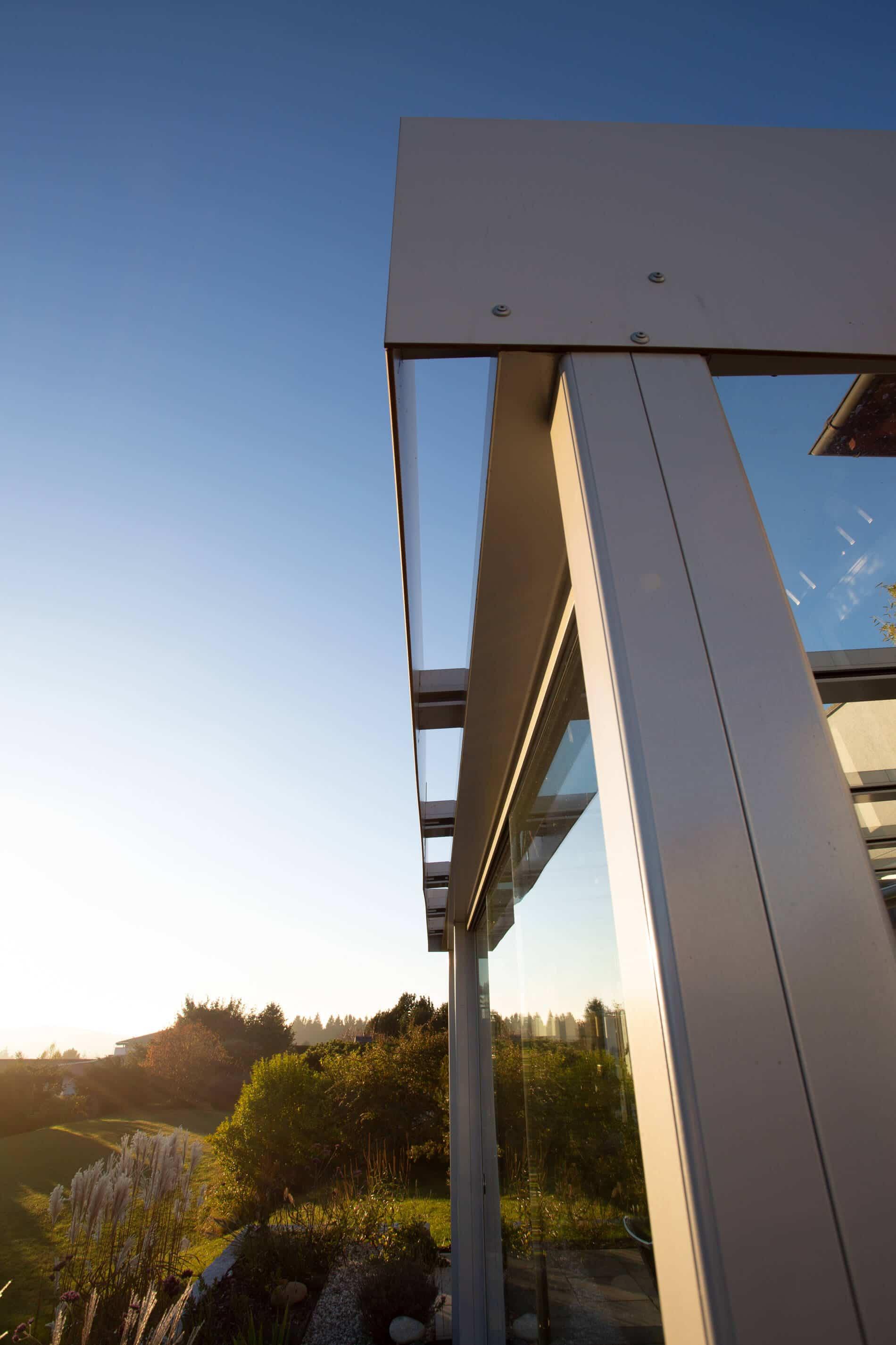 windschutz mit festem dach fenster schmidinger. Black Bedroom Furniture Sets. Home Design Ideas