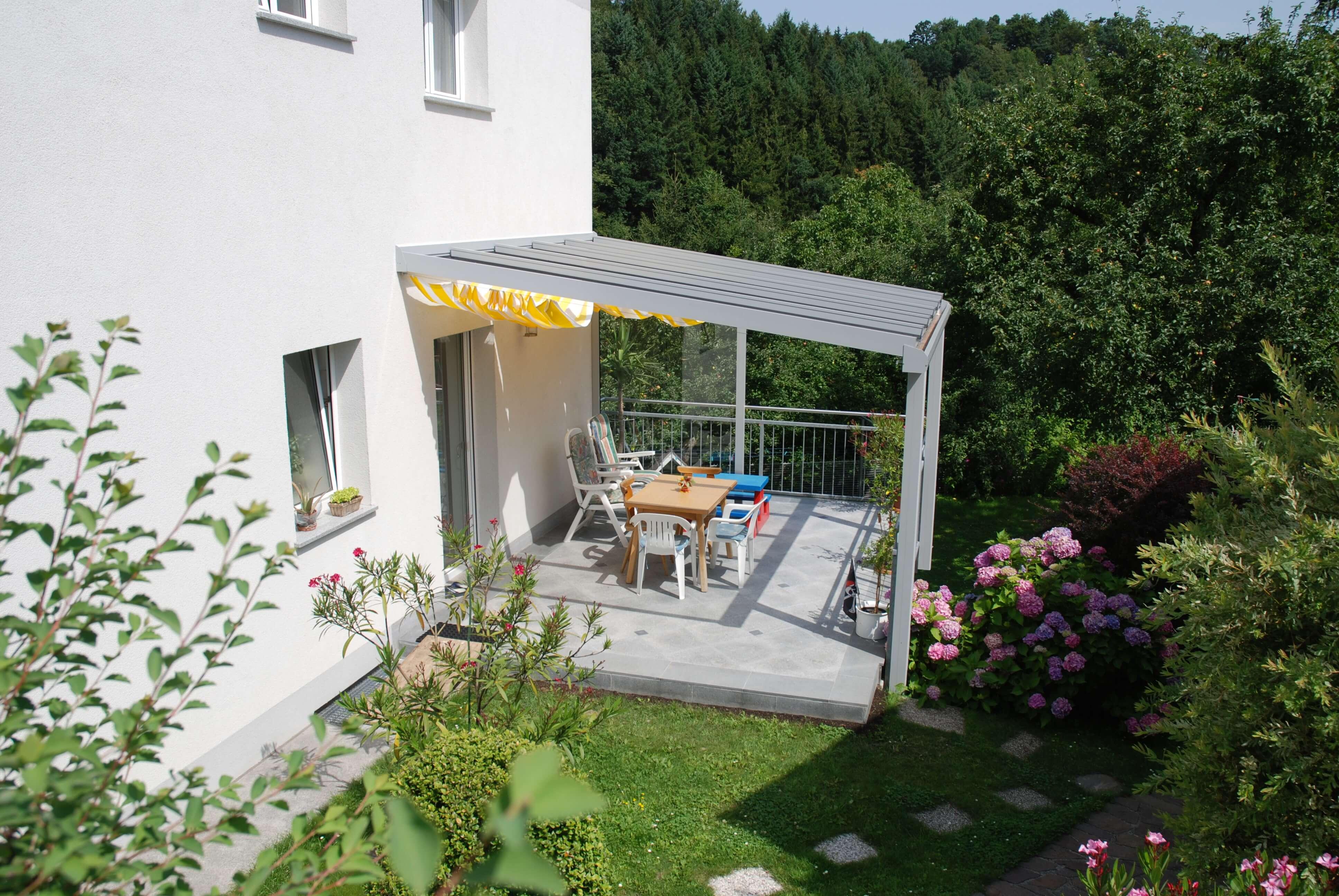 Terrassenüberdachung weißaluminium RAL 9006