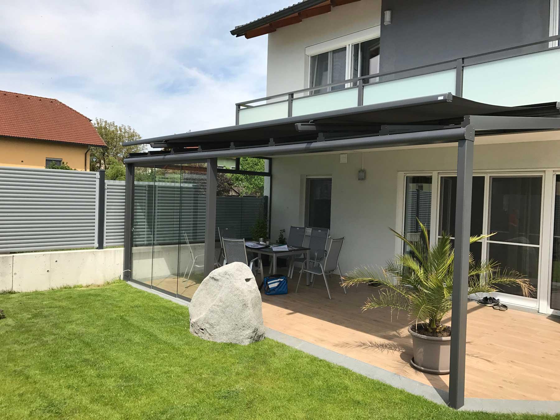 Terrassenüberdachung Windschutz Schiebeverglasung