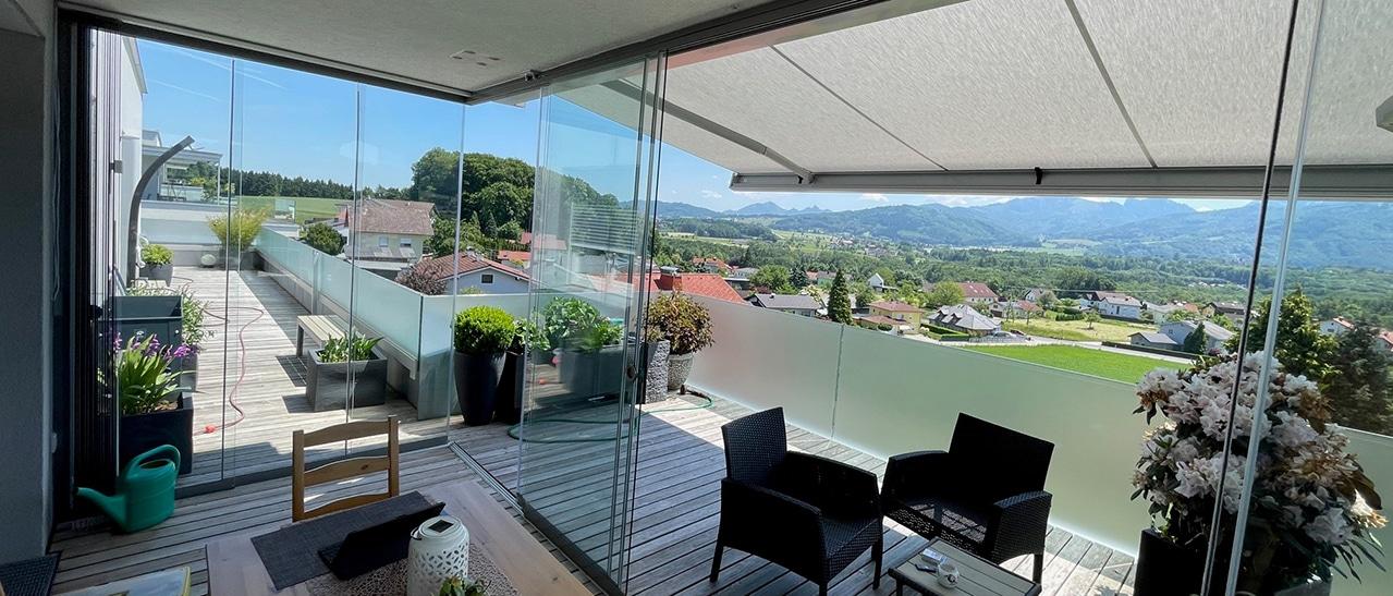 Terrassenverglasung mit Glasschiebetüren von Sunflex