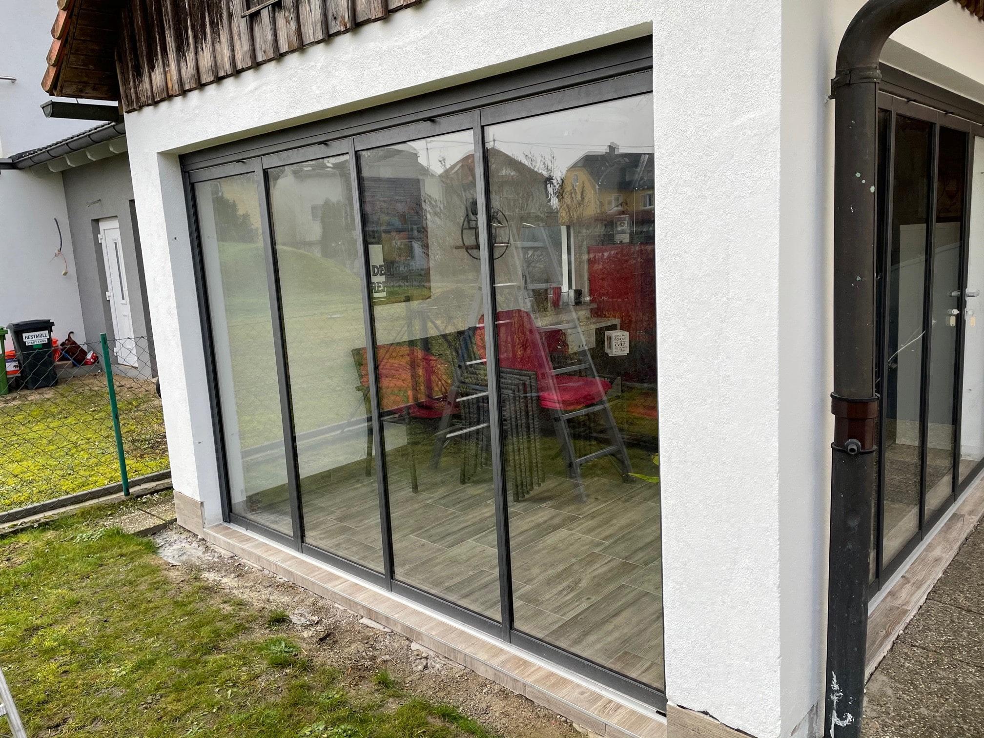 Terrassenverglasung mit Schiebetürsystem