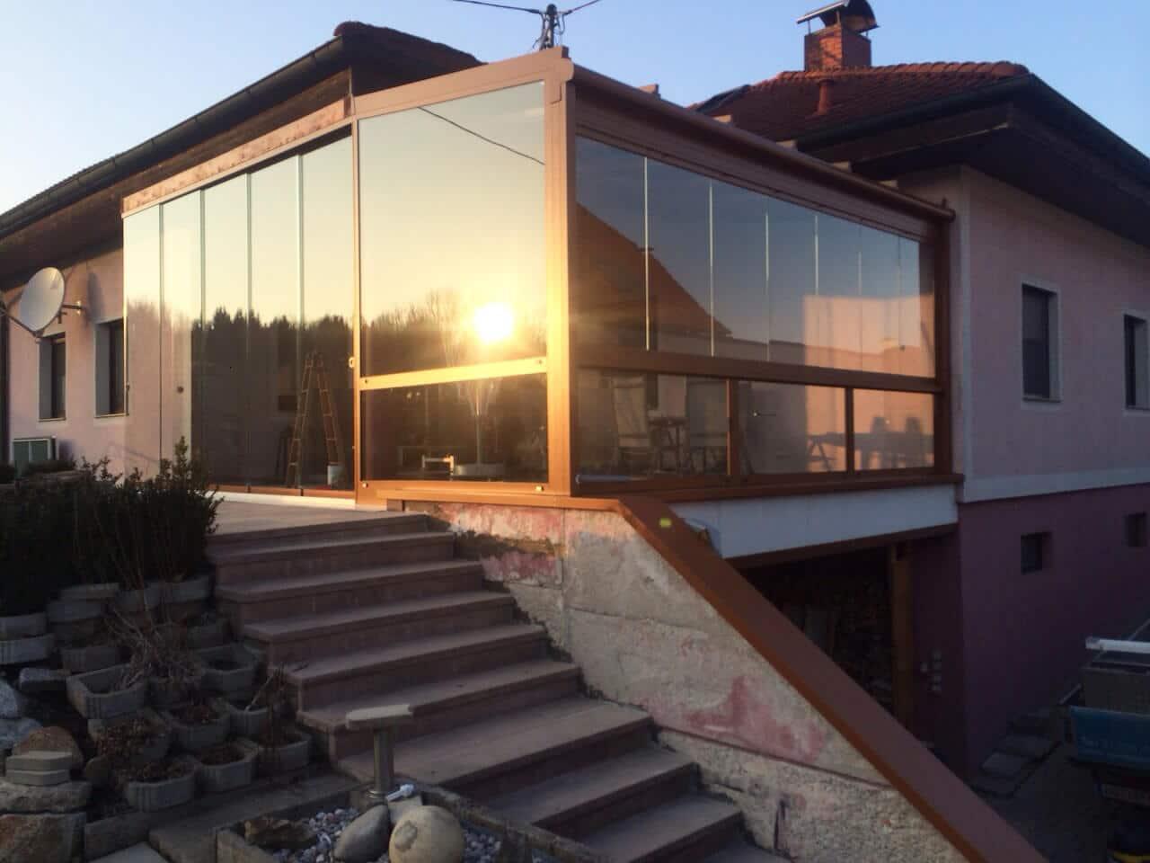 Terrassenverglasung Sommergarten mit Glasschiebefenster und Türen