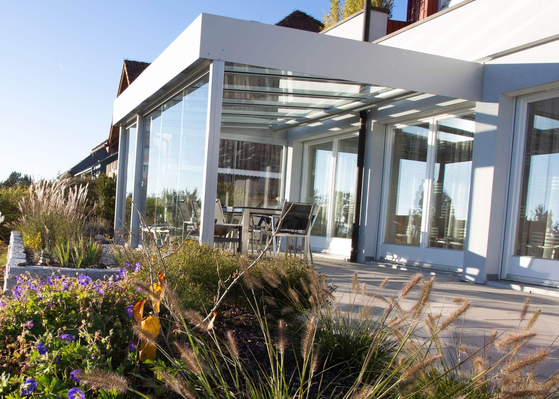 Überdachte Terrasse modern