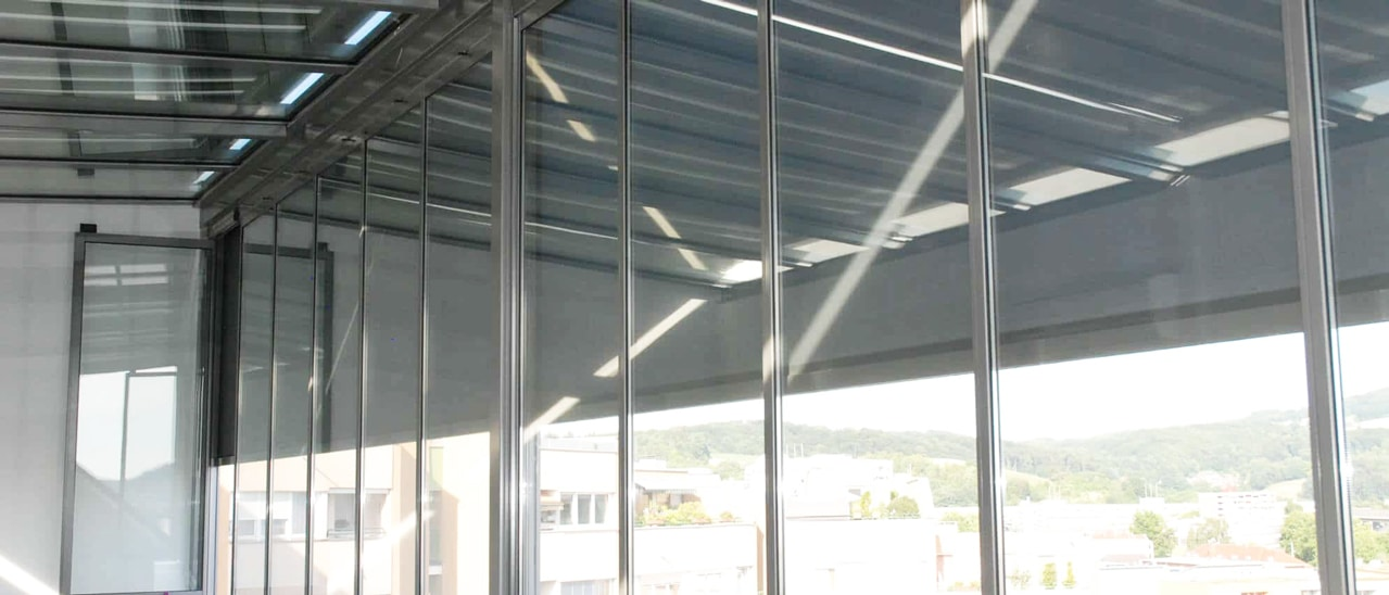 Verglaster Balkon Sonnenschutz
