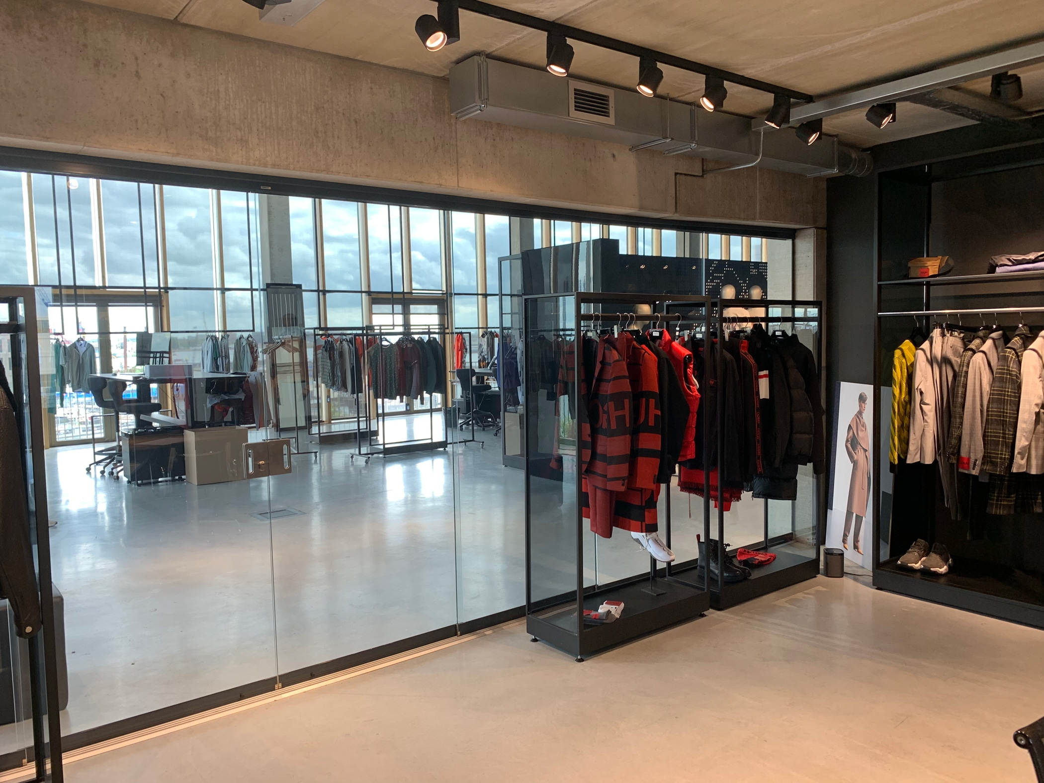 Versperrbare Glasschiebetüren für Innenbereich - Geschäftslokal