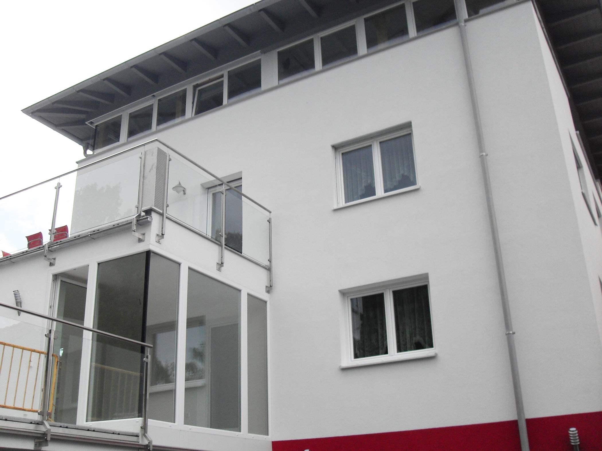Weiße Kunststofffenster und Türen in Oberösterreich