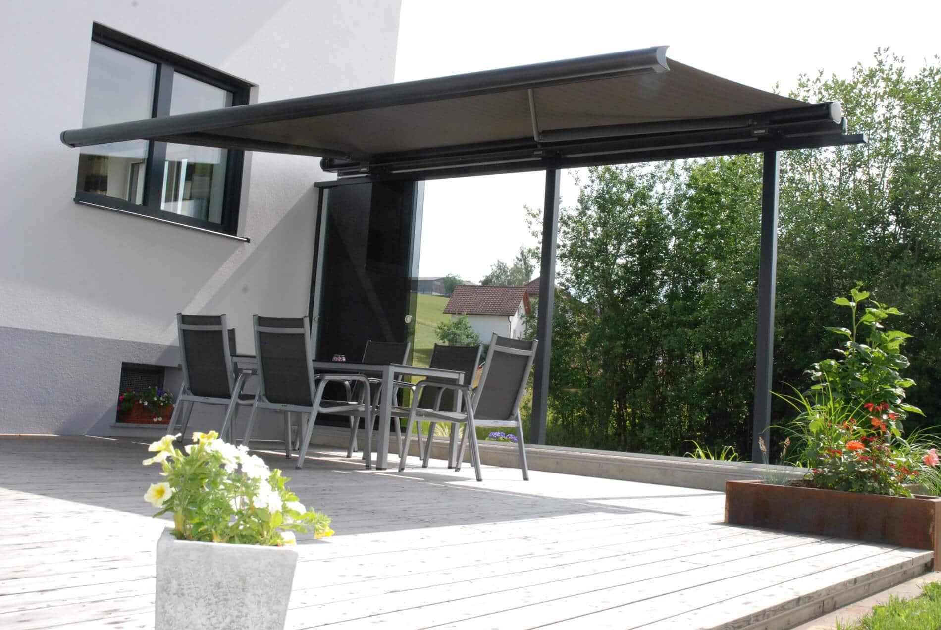 Wetterschutz Terrasse Seitlich Mit Elektrischer Markise Und