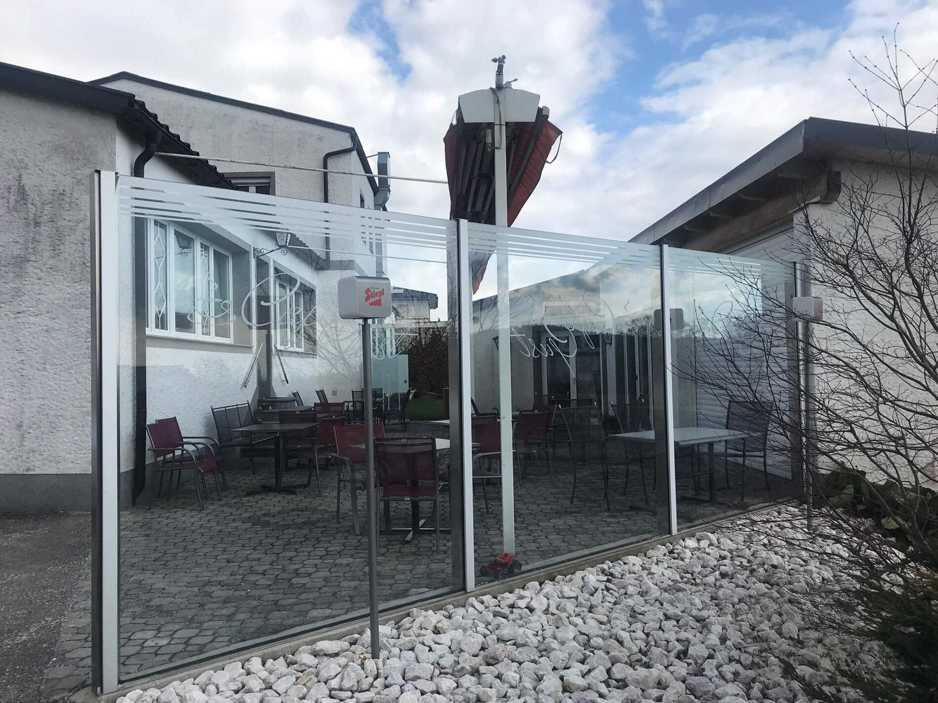 Windschutz für Café Gastgarten
