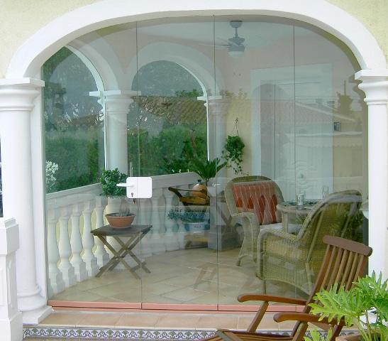 Windschutz mit Türe transparent und versperrbar