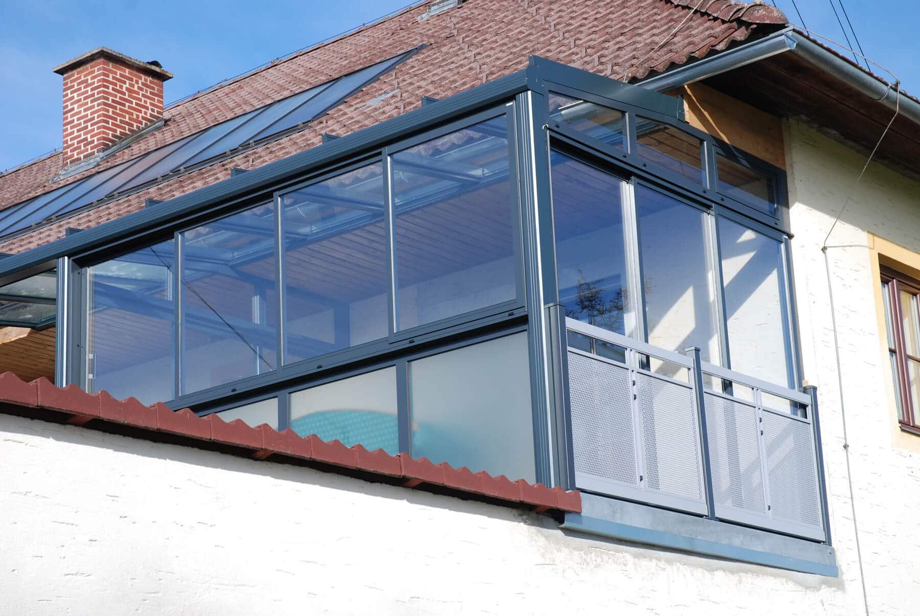 Wintergarten als Wohnraumerweiterung an bestehendem Haus