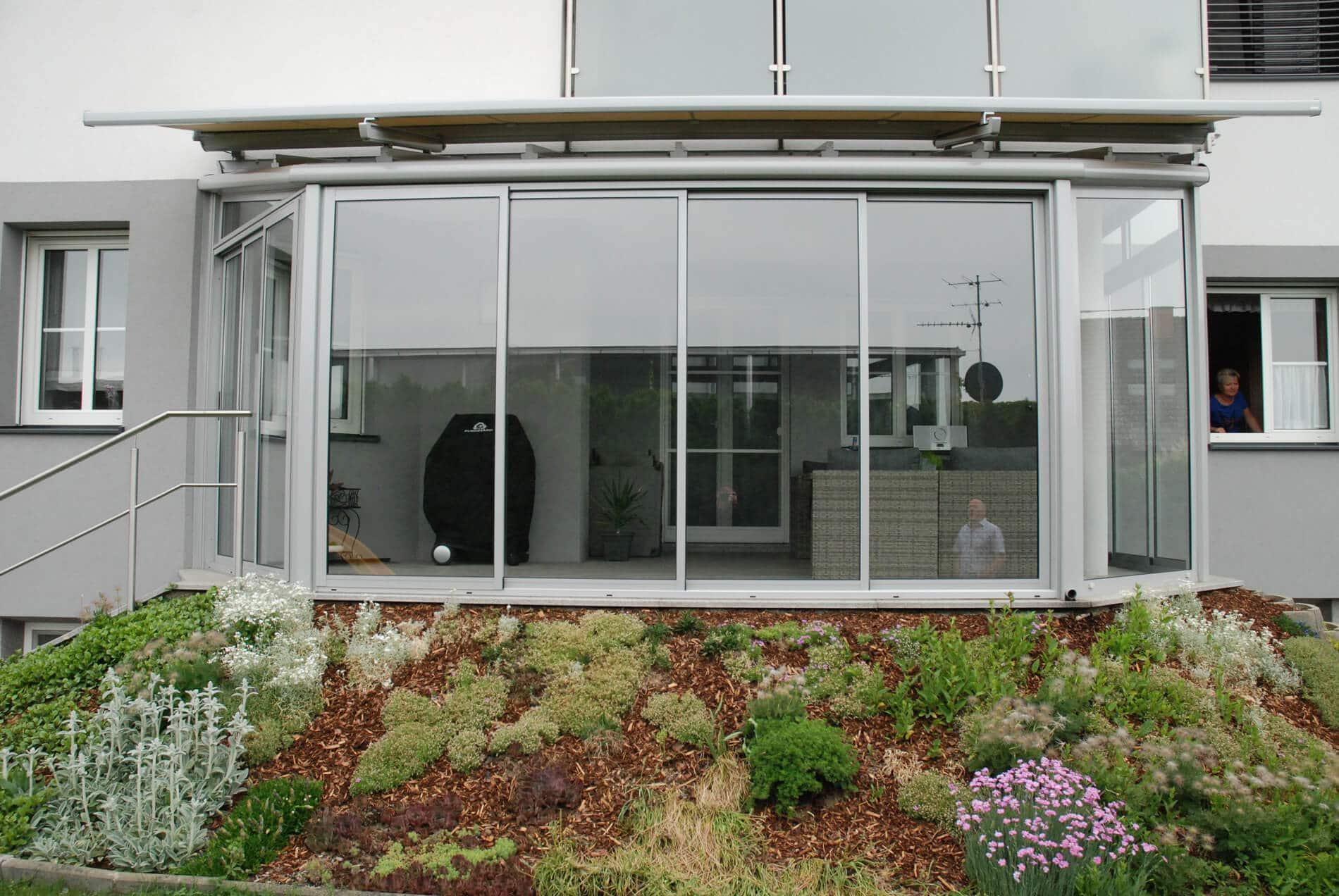 Wintergarten aus Aluminium mit Beschattung