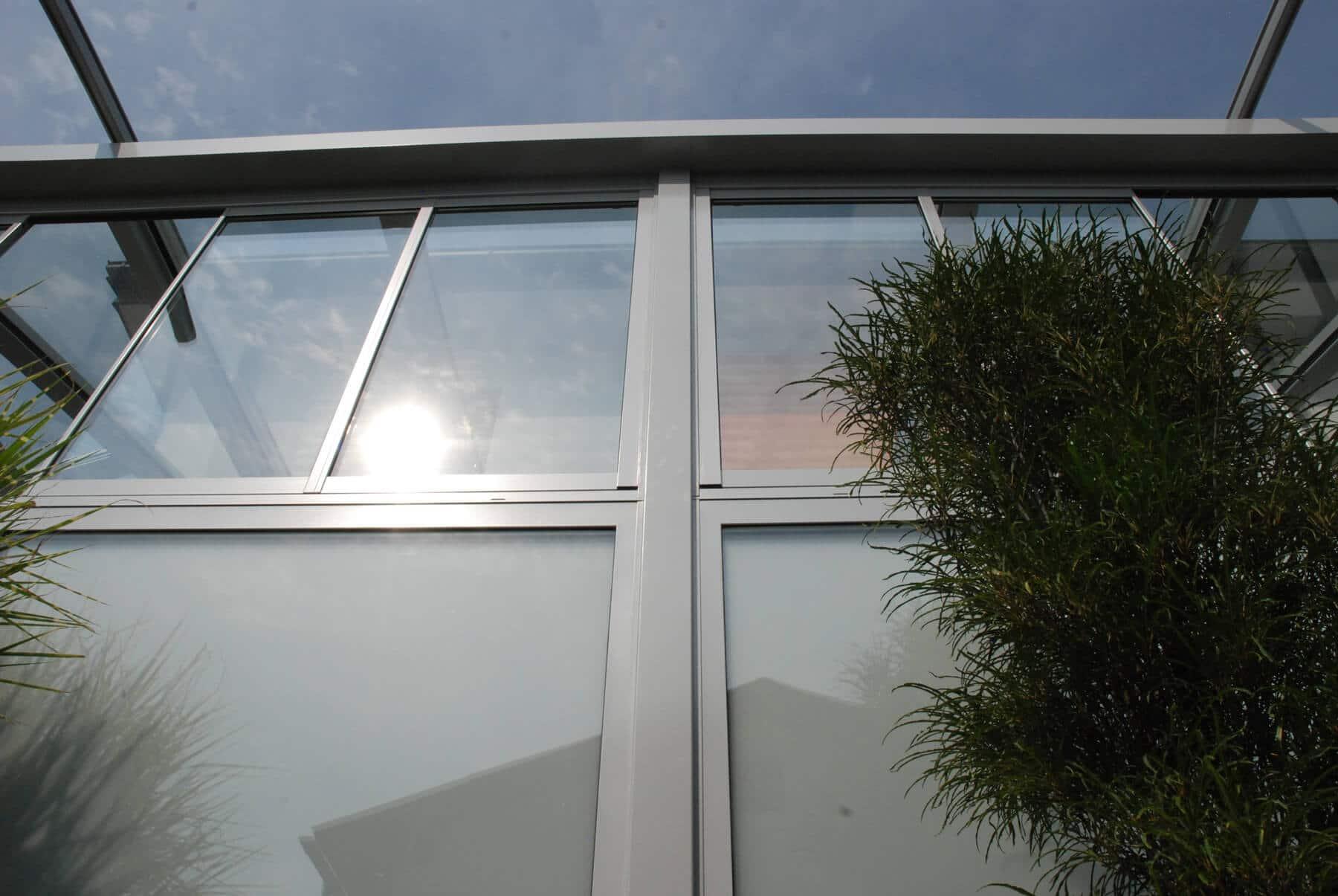 Wintergarten Faltschiebe-Konstruktion in grau