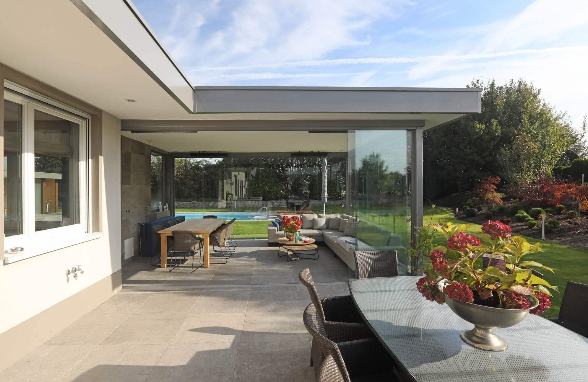 Wintergarten fixes Dach mit Schiebewänden