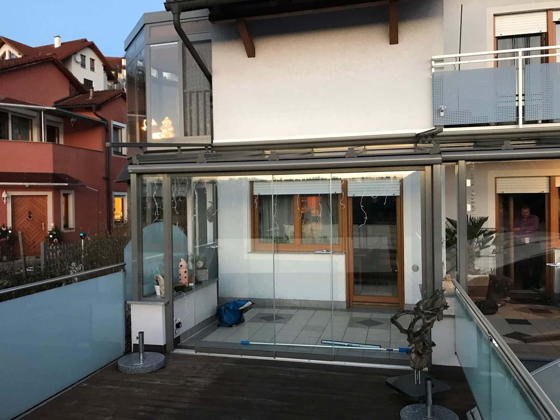 Wintergarten Mit Glasschiebewand Für Terrasse Als Windschutz