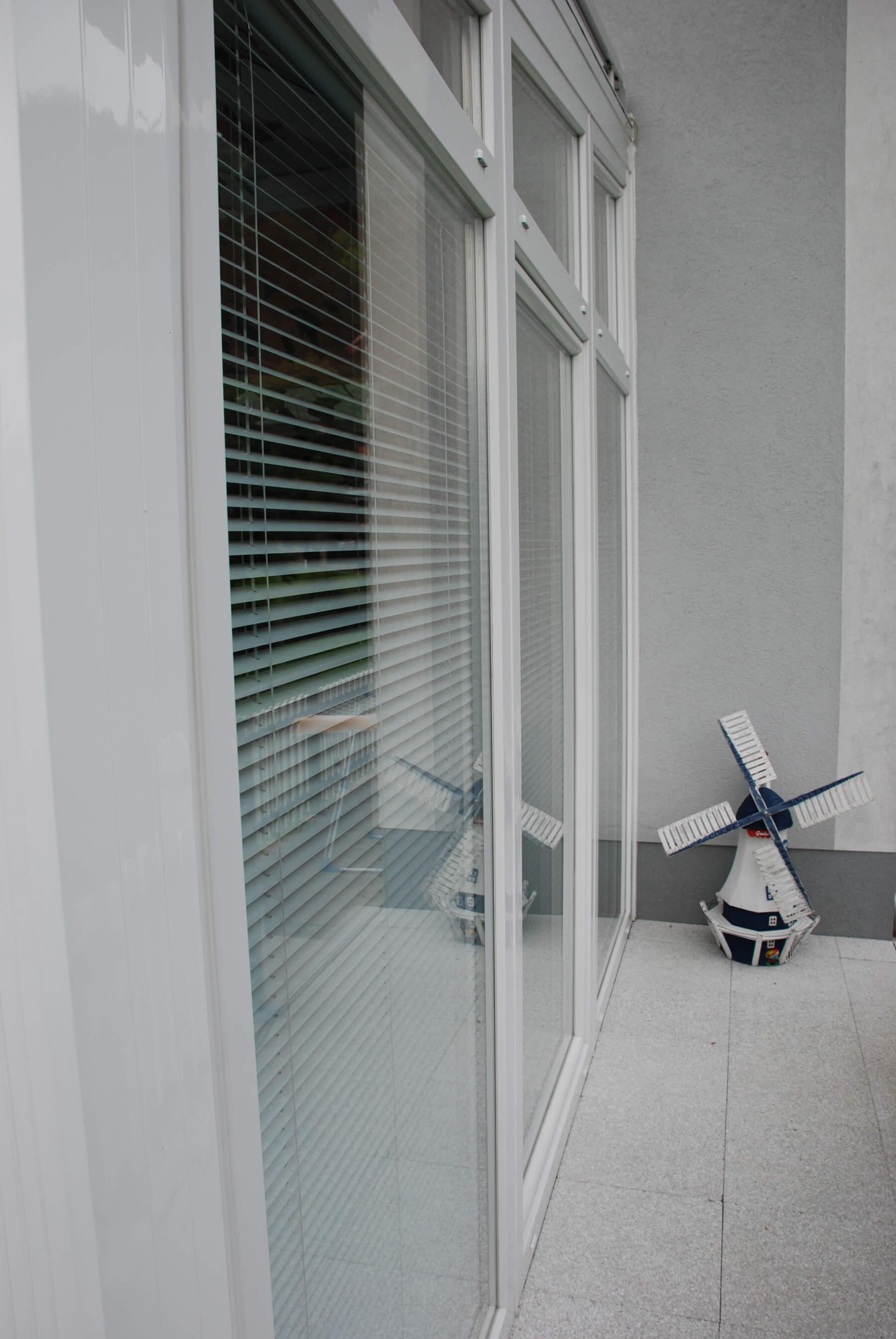 faltt ren terrasse idealer wetterschutz f r den au enbereich. Black Bedroom Furniture Sets. Home Design Ideas
