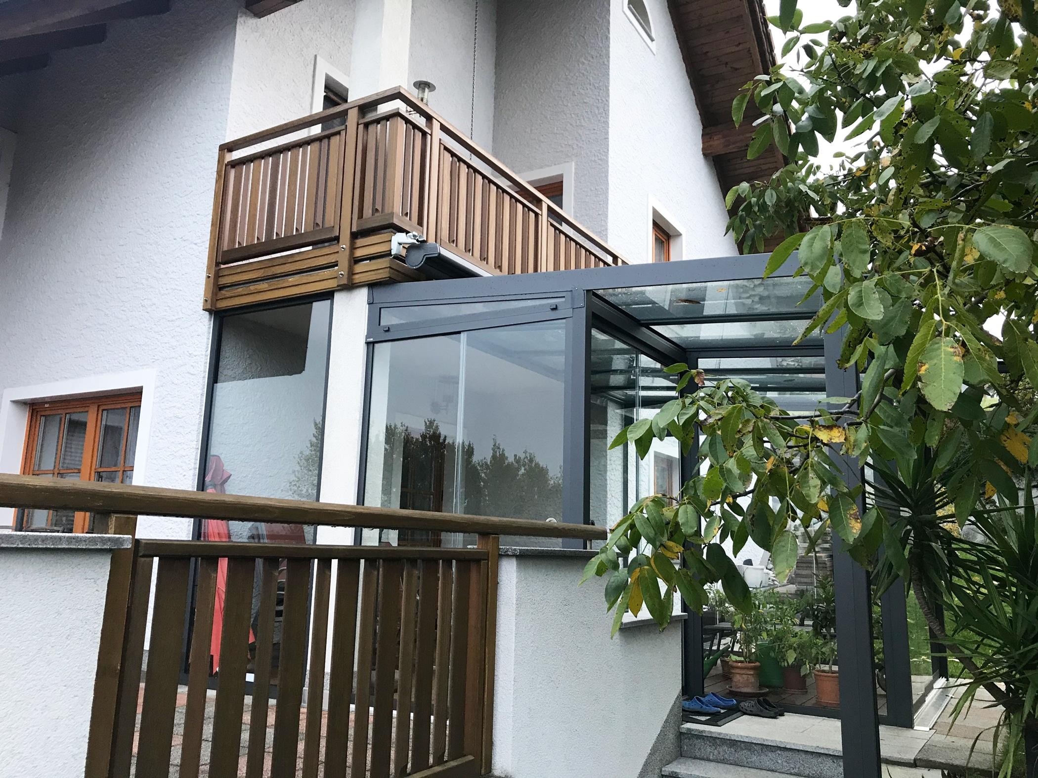 Wintergarten mit Überdachung aus Glas