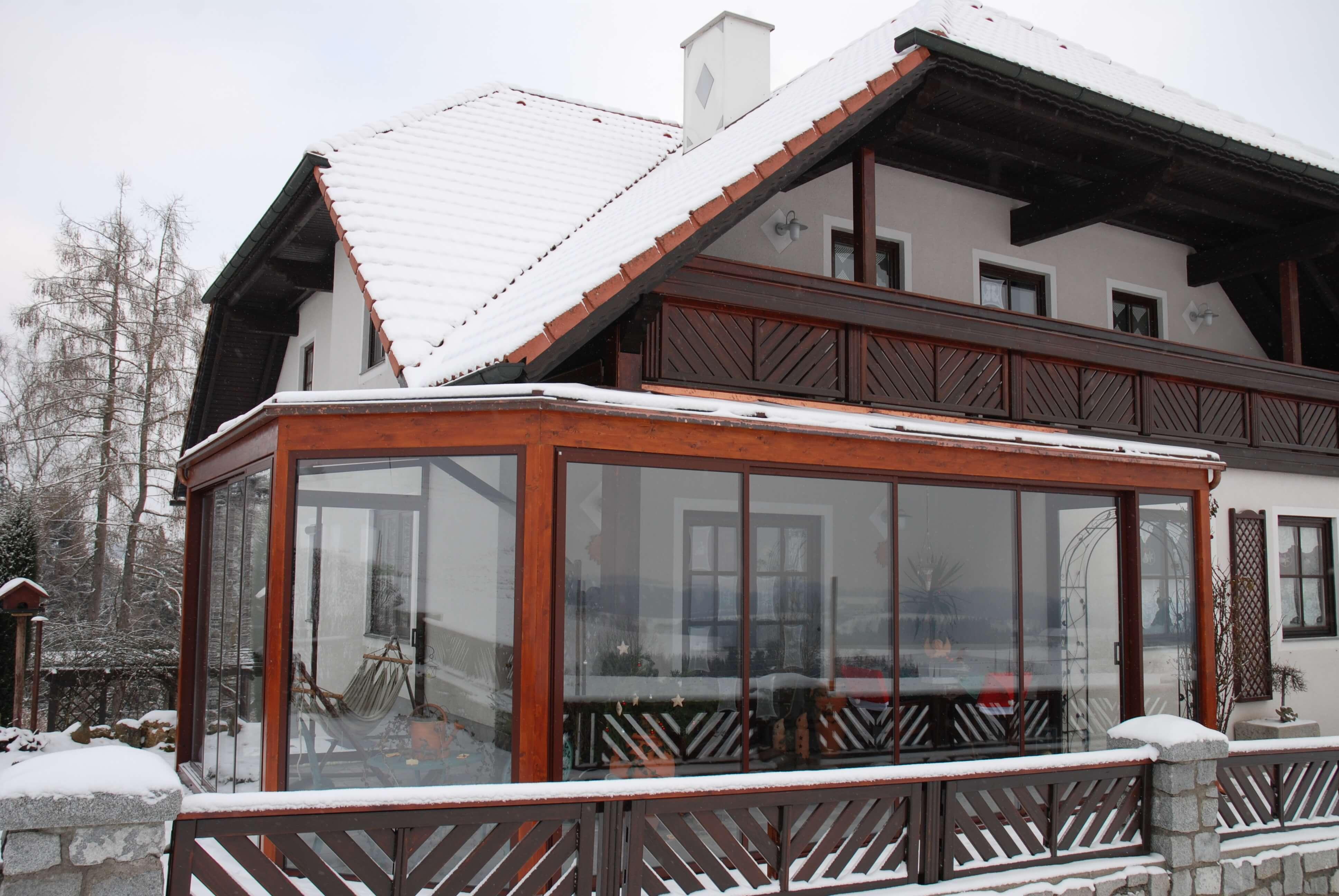 Wintergarten Dachverglasung wintergarten mit schiebeverglasungen und dachverglasung